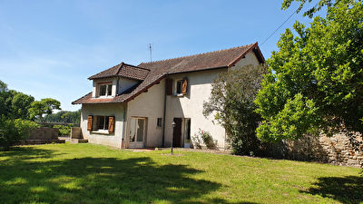 Ensemble immobilier proche PARAY LE MONIAL