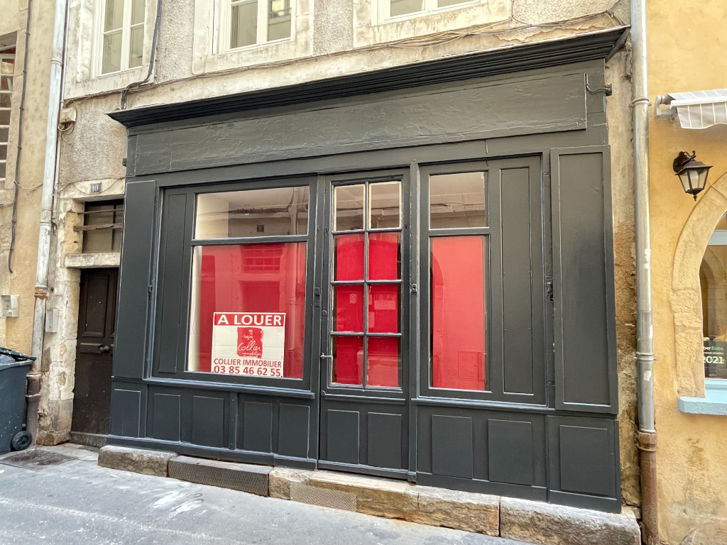 local  10 rue des cloutiers 2/2